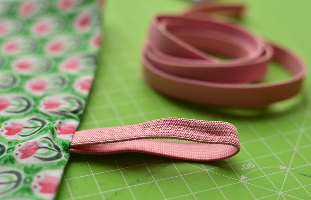Näh-Tipp: Gummiband-Verschluss für Kissenbezug - Rolle