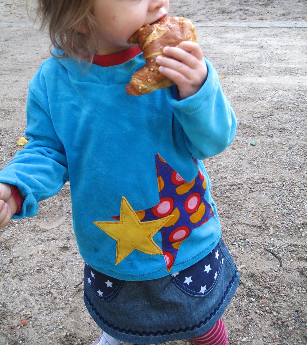 Kinderrock mit Taschen nähen, hier aus Jeans