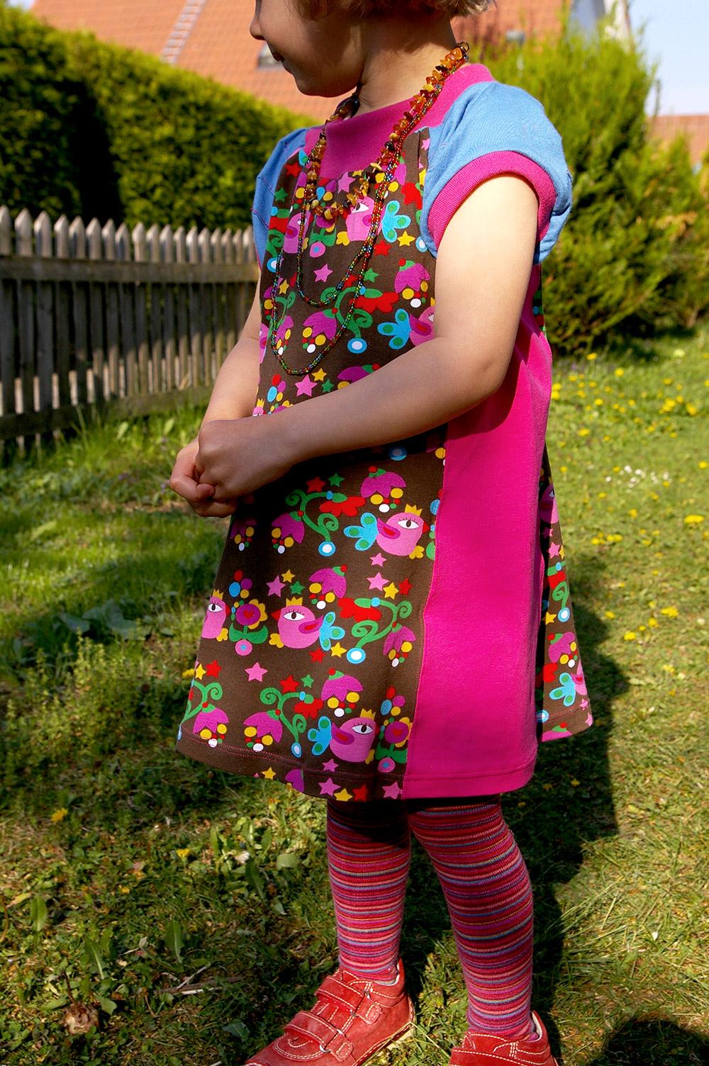 Jerseykleid für Mädchen: Kleiderschnitt zum selbernähen