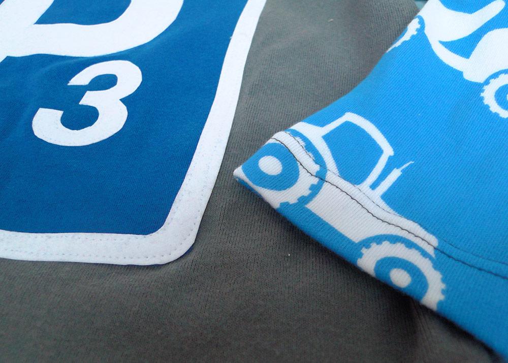 Geburtstagsshirt-Idee für Jungen mit Parkplatzschild, Fahrzeuge