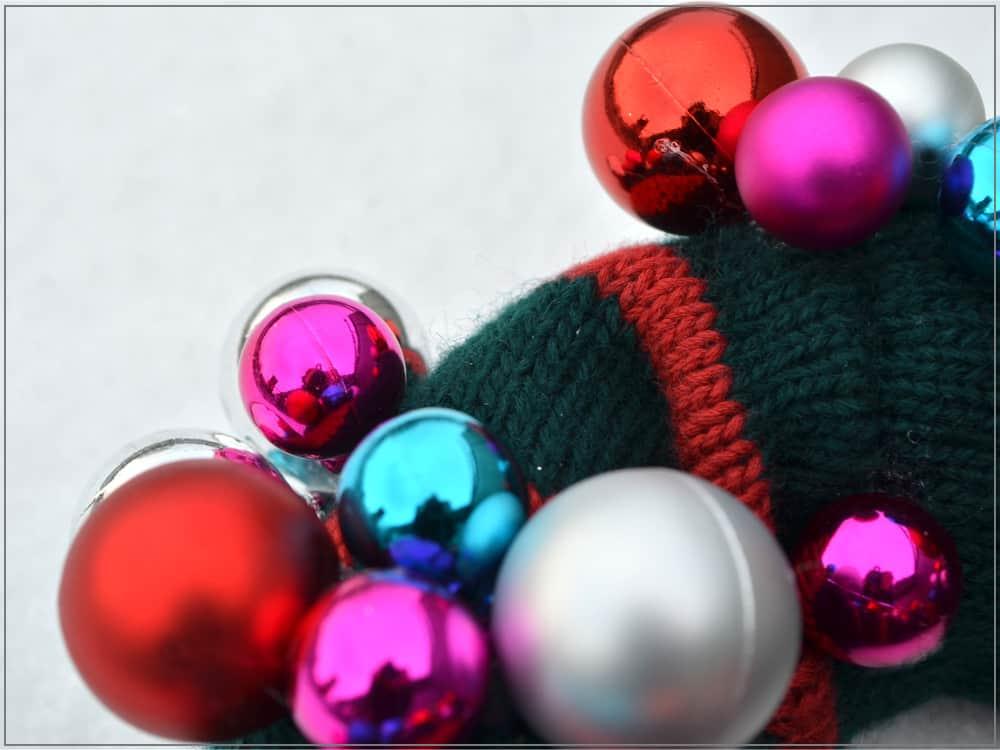 gestrickter Adventskranz Weihnachtskranz stricken