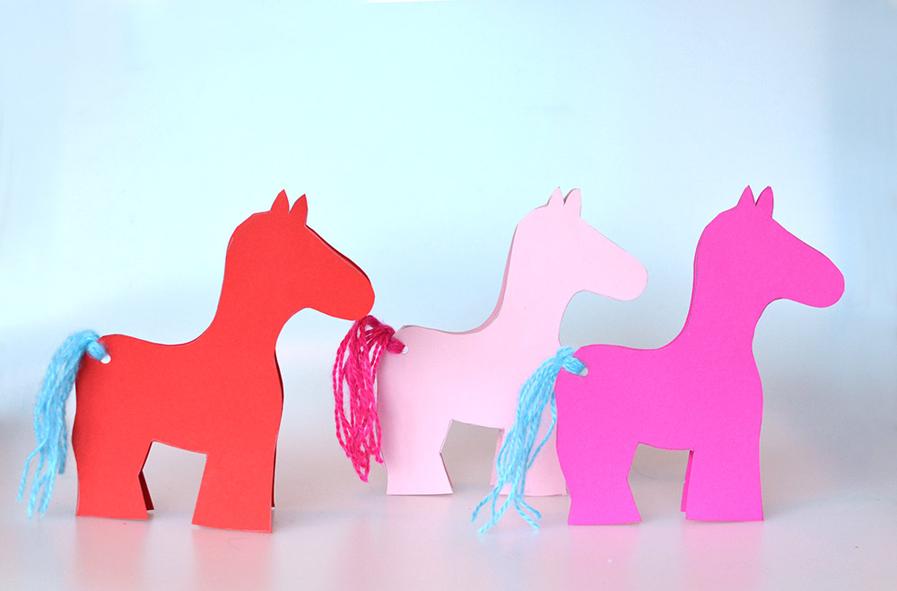 Pferde-Klappkarte: DIY Geburtstagseinladung für Kinder