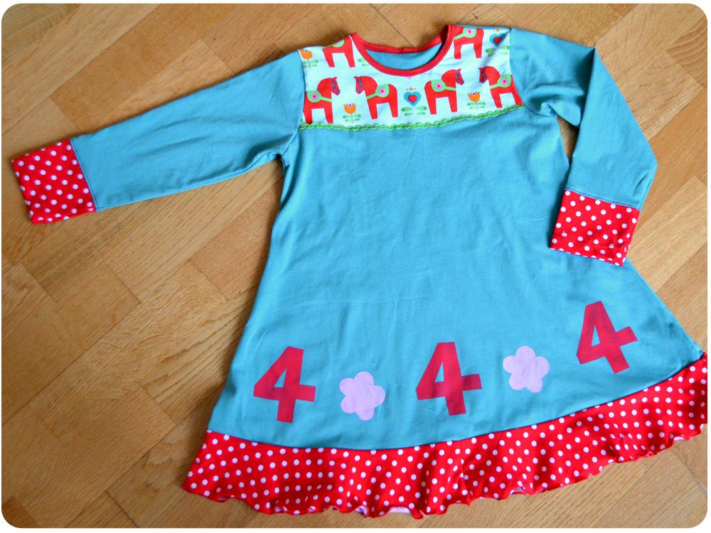 Kleid aus Jersey für Mädchen zum 4. Geburstag nähen