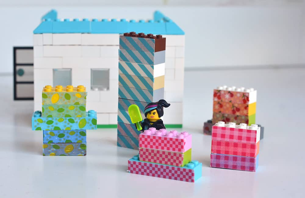 buntes Lego mit Masking Tape