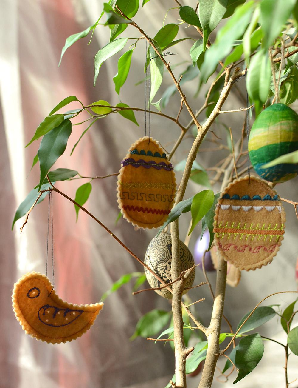 Filz-Ostereier und Ostervögel nähen mit webband und Zackenlitze