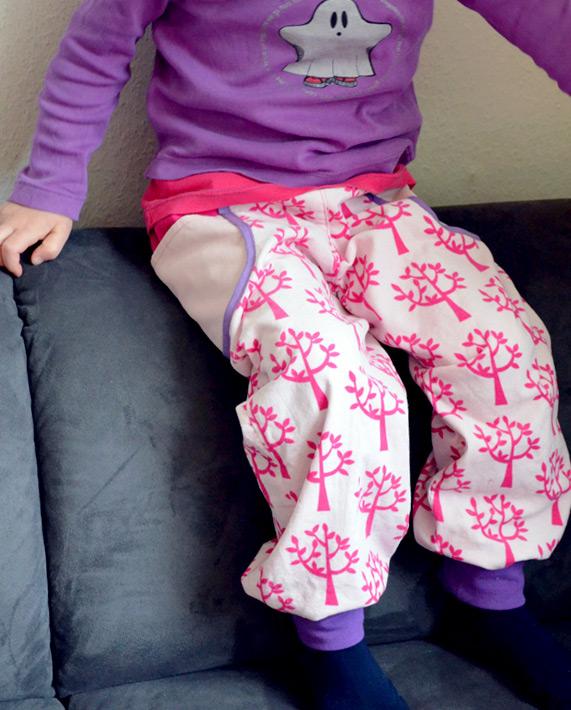 Kinderhose aus babycord nähen: Nähanleitung und Schnittmuster