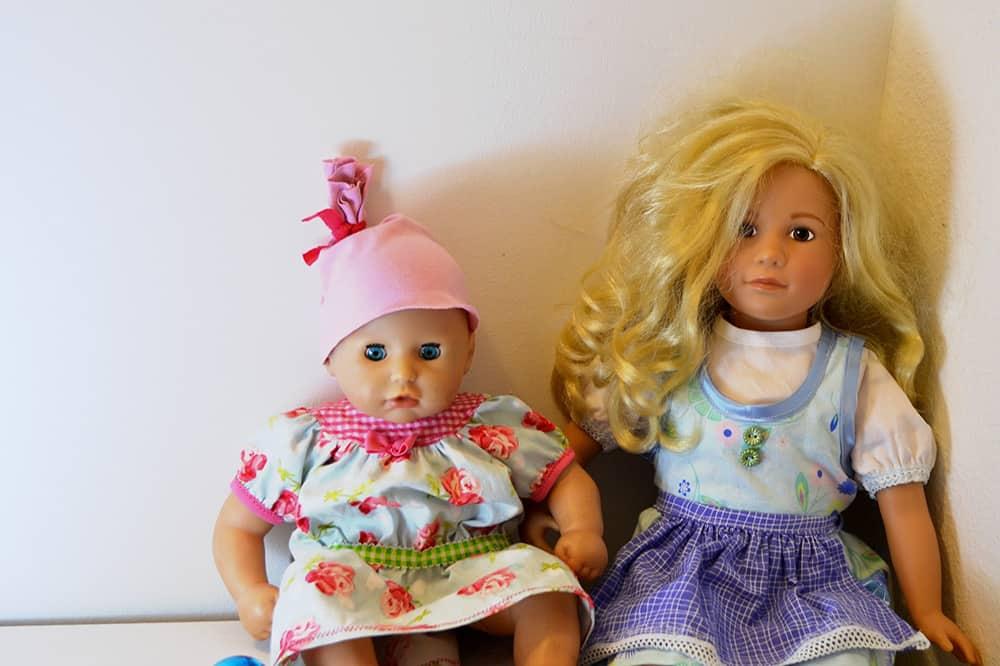 selbstgenähte Puppenkleider für Baby Annabell und Sigikid die Puppe
