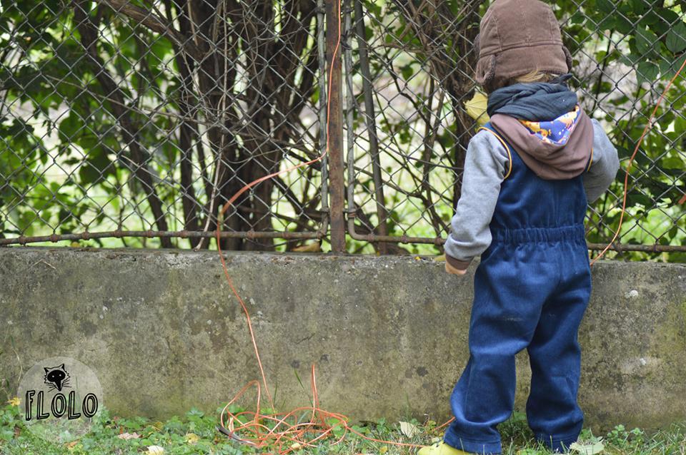 Schnittmuster für Kleinkinder-Hose aus Cord im retro-Stil