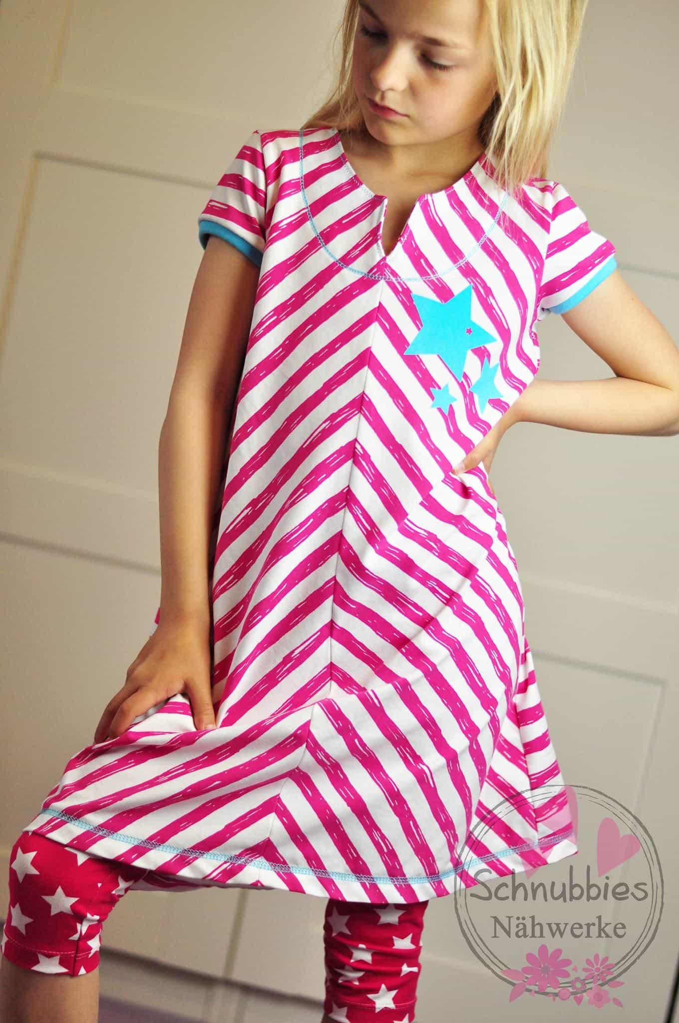 schräg gestreiftes Kleid nähen für Mädchen