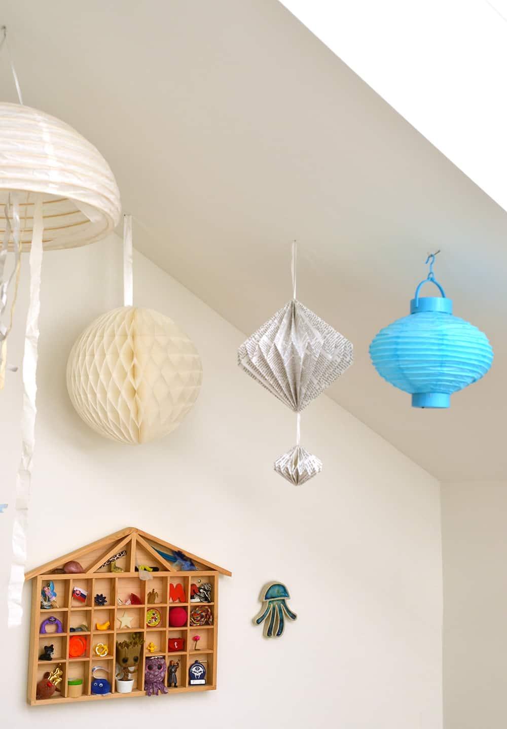 Kinderzimmerdeko: Lampion, Papierobjekte
