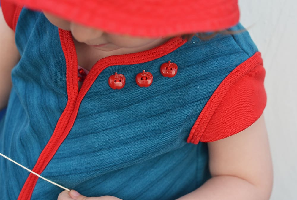 geteilt-durch-Kleid Schnittmuster von Erbsenprinzessin: Kleid mit Käppchenärmeln
