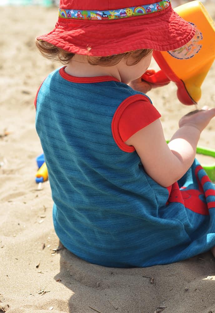 geteilt-durch-Kleid Schnitt von Erbsenprinzessin: Mädchenkleid mit Käppchenärmeln