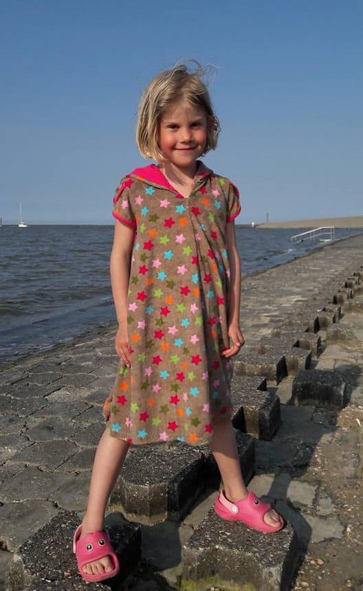 Schnittmuster für Mädchen-Badekleid Frotteekleid