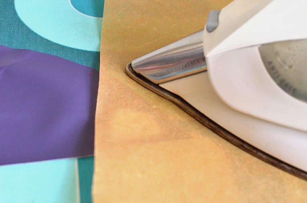 Regenjackenstoff bügeln: Mit Backpapier gehts!