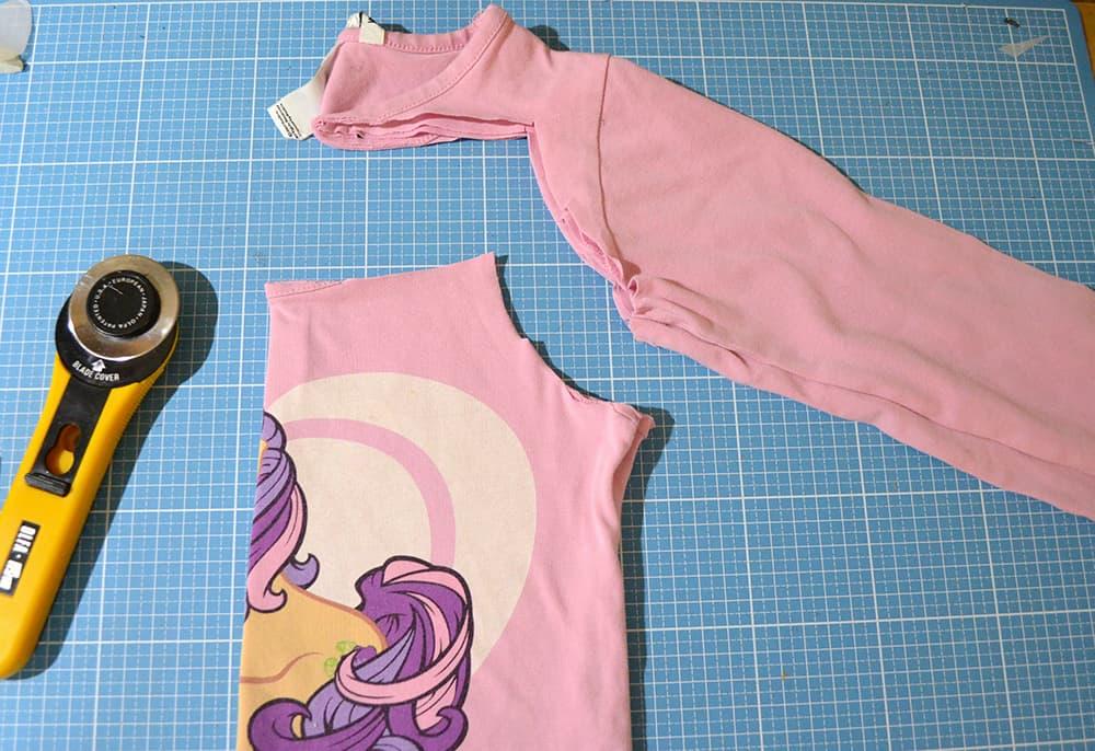 Shirt Upcycling: Ausschneiden