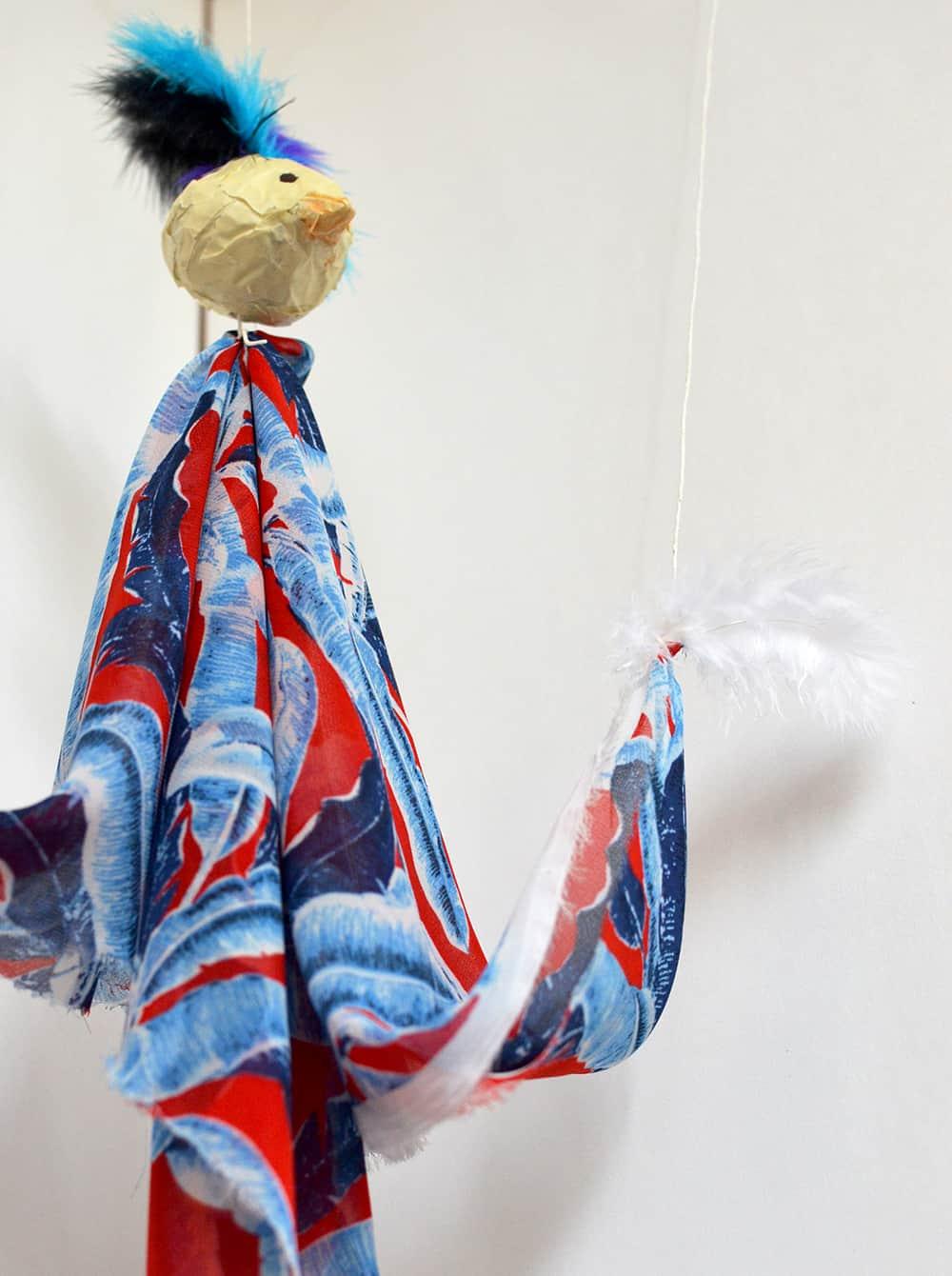 DIY für Kinder: Vogel-Marionette basteln