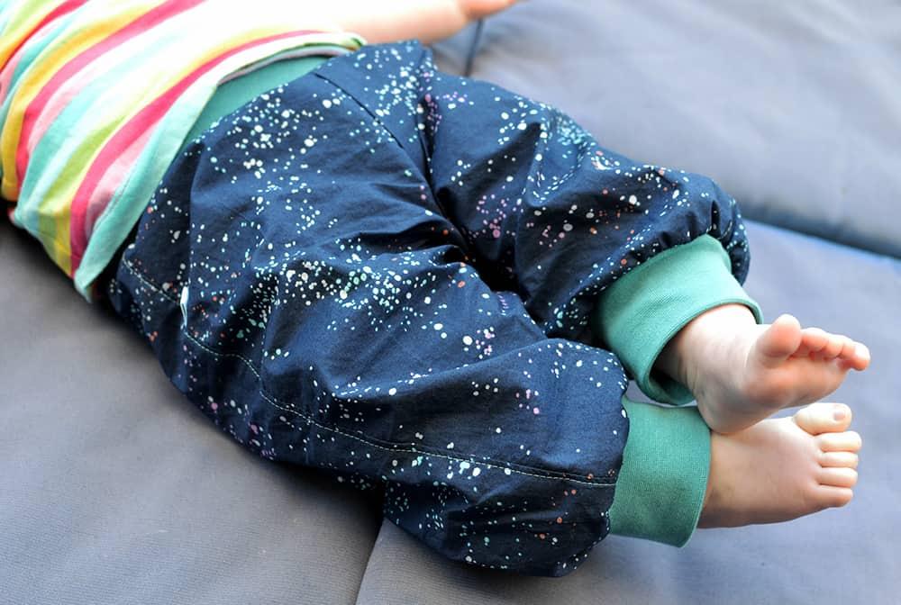 Pumphose für Babys nähen aus Baumwolle