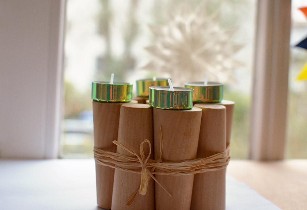 DIY-Adventskranz: Upcycling aus Möbelteilen, mit Teelichtern als Kerzen