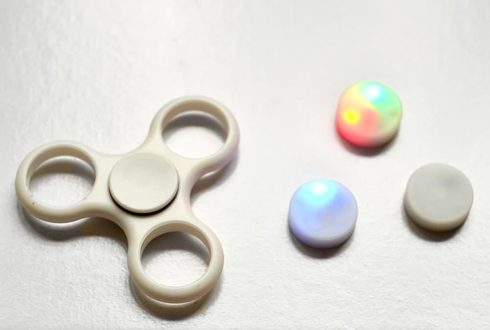 Fidget Spinner mehrfarbige LEDs einzeln herausnehmbar