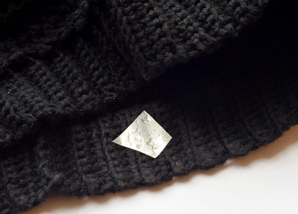 Metallische Flexfolie auf Mütze aufbügeln
