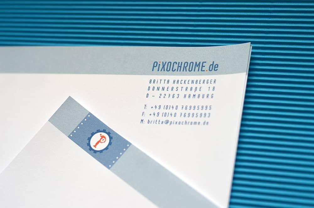 Gratis-Schriftart Pixochrome hier zum Download