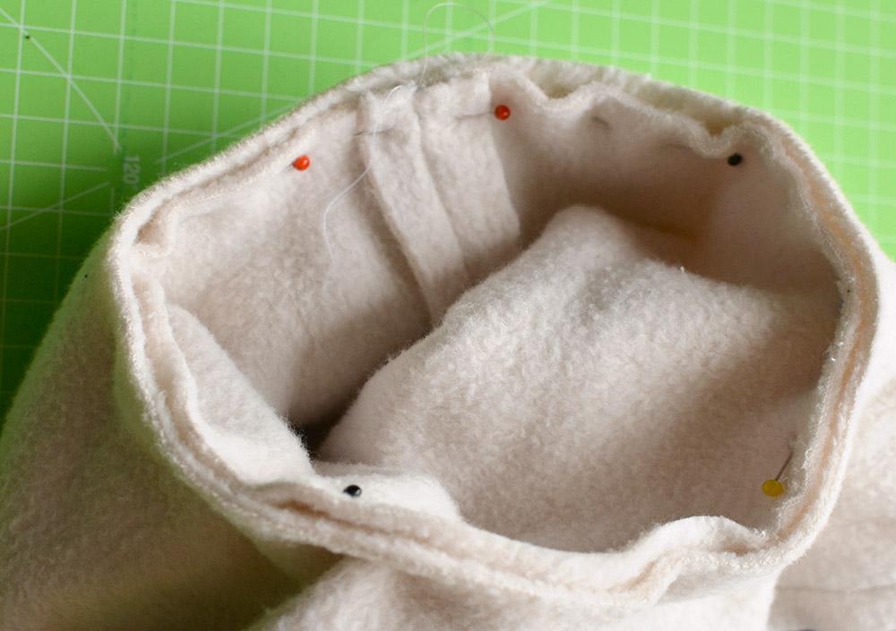 Fleece-Ringe aneinandernähen als Enden für das Sushikissen
