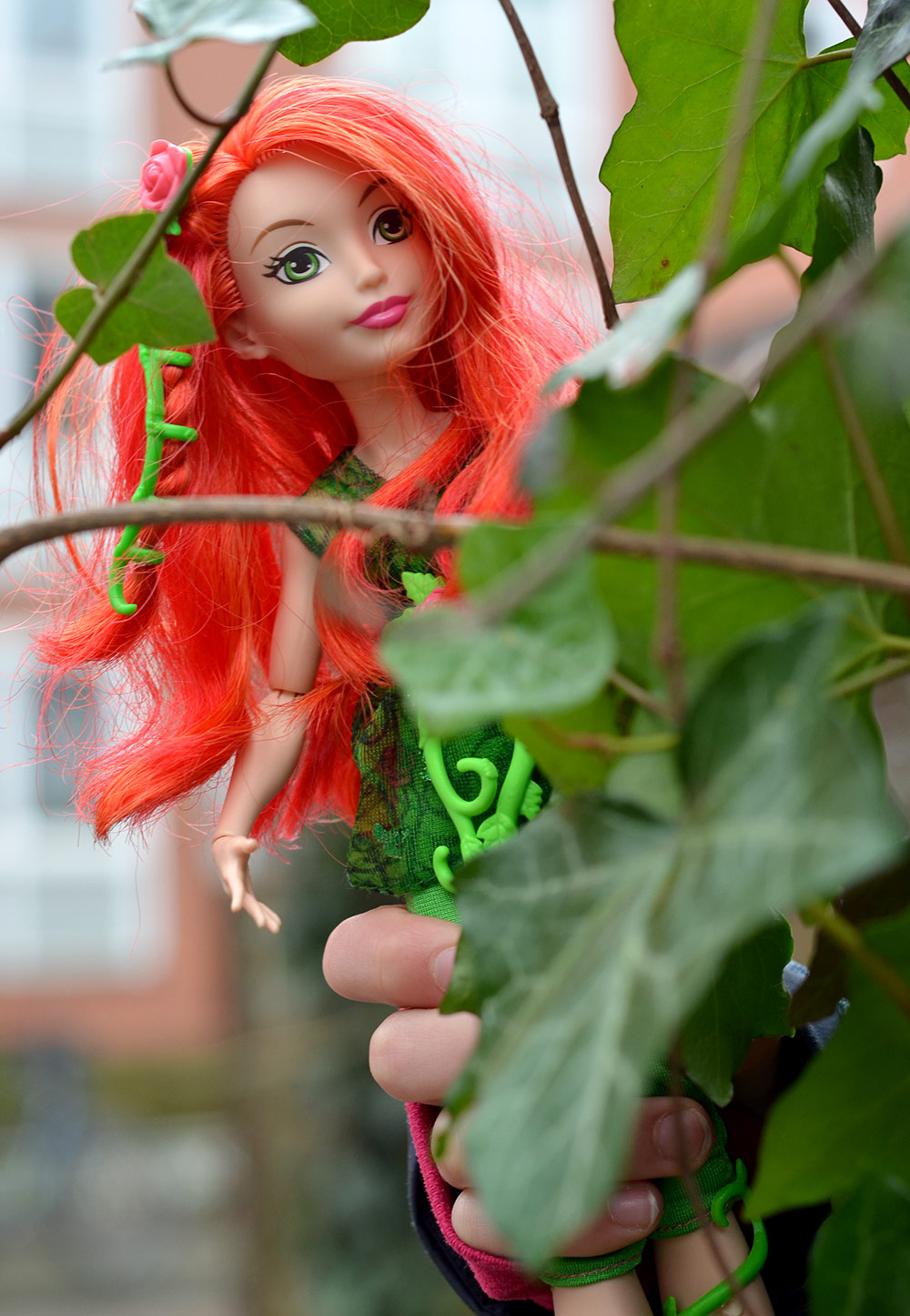 DC Super Hero Girls: Poison Ivy Ankleidepuppe von Mattel