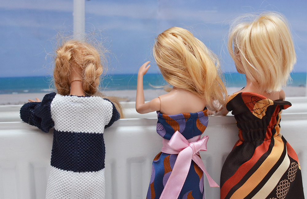 Krawatten-Upcycling: Kleidung für Ankleidepuppen / Barbie / Monsterhigh