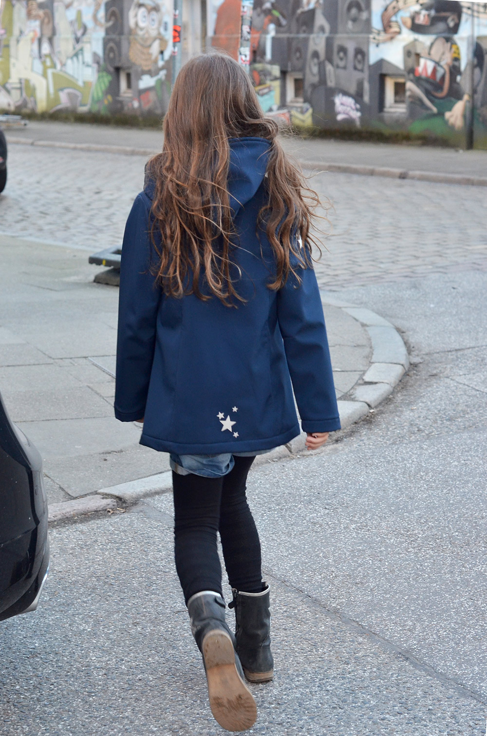 Jacke aus Softshell für Mädchen, Schnittmuster aus der Ottobre