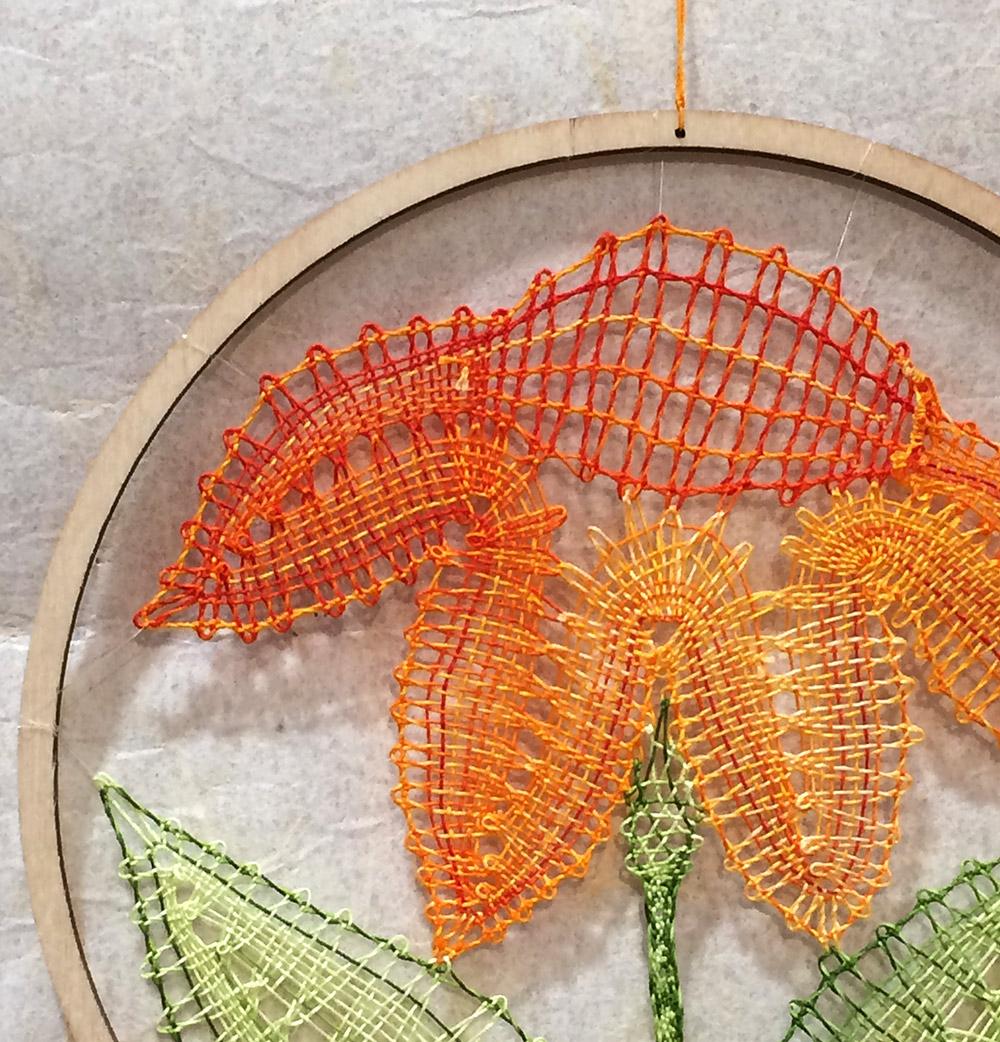 Geklöppeltes Bild Blume von Steffi Schmat, Klöppelhandwerk