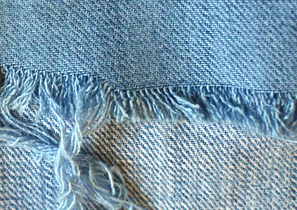 Jeans-Hose mit Jeansblau-Tüchern färben