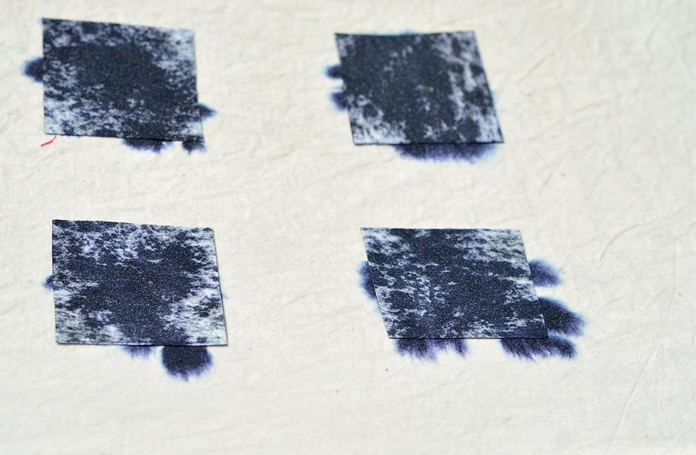 dunkelblaue Farbtuecher für Shibori-Batik