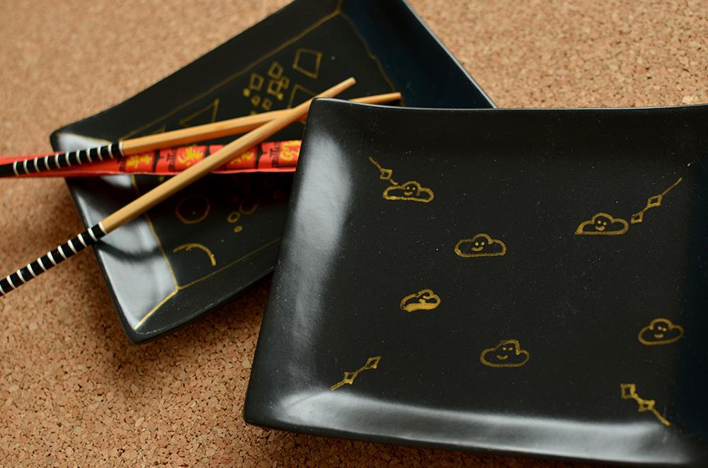 Keramik-Teller selber bemalen mit goldenen Porzellanstiften