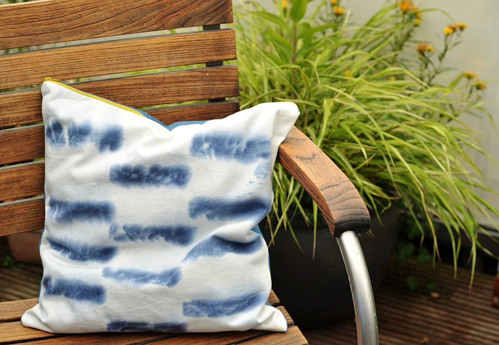 Shibori Kissen jeansblau färben