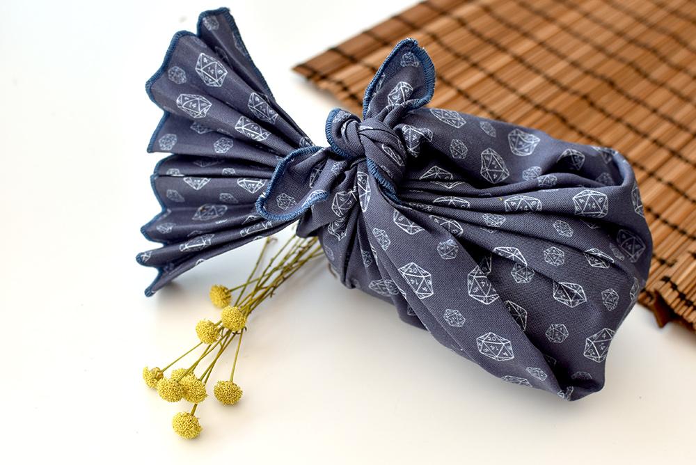 freestyls Furoshiki: geschenk einpacken im Stofftuch