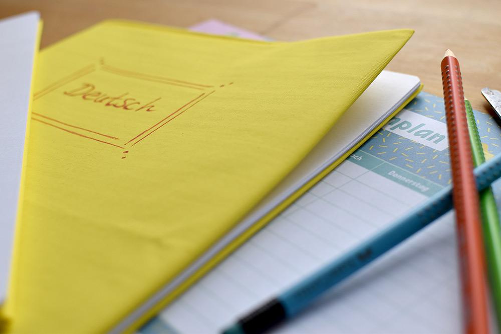 Umschläge für Schulhefte aus Stoff selbst genäht