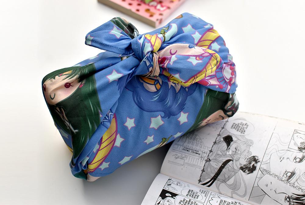 Chibi Mangas auf Stoff: Furoshiki für Geschenke