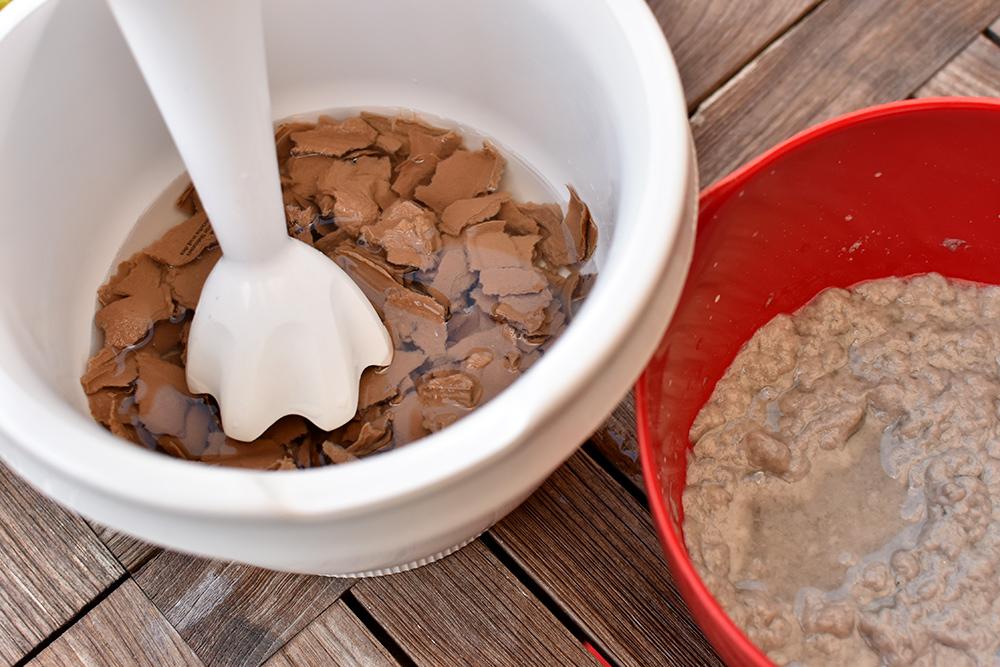 Eierkartopn-Upcycling: Pappmaschee pürieren